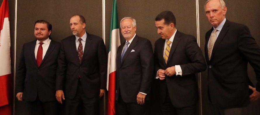 Videgaray dijo en una entrevista radial que el banco central y la secretaría de Hacienda...