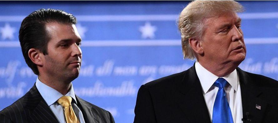 Donald Trump hijo, el primogénito del presidente de Estados Unidos, intercambió...