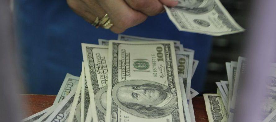 El monto demandado para el plazo de 30 días fue de 604 millones de dólares y el Banco...