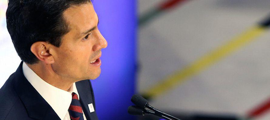 Peña Nieto tiene una rara forma de mirar la realidad que la transforma a su gusto y...