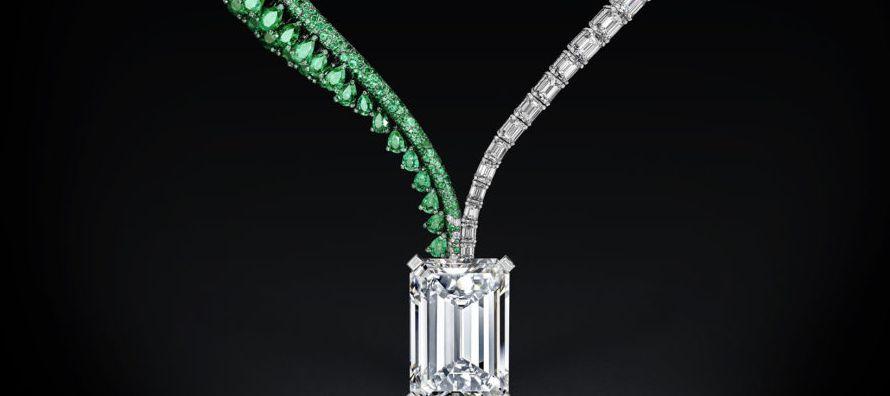 El diamante es más de 40 veces más grande que un diamante blanco oval de 118,28...