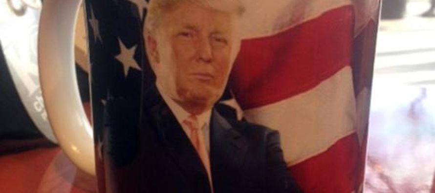 """Al """"Trump Store"""" virtual se accede a través del sitio de la Trump Organization,..."""