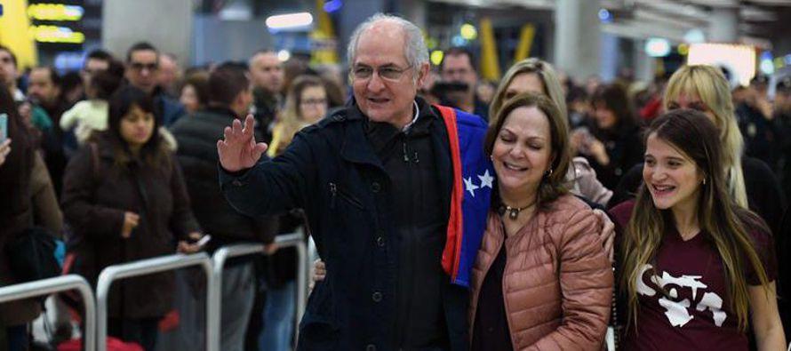 El presidente del Gobierno español recibió hoy al opositor venezolano y se...