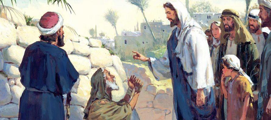 Jesús se detuvo, y mandó que se lo trajeran y, cuando se hubo acercado, le...