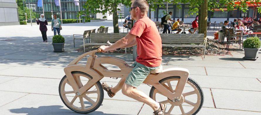La bicicleta eléctrica ¡de madera!