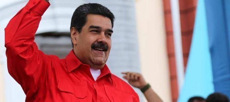 La opinión mundial se endureció contra su Gobierno socialista y Washington fue el...