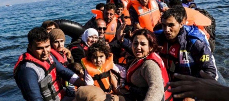 En total, la OIM calcula que 2,5 millones de inmigrantes atravesaron el Mediterráneo de...