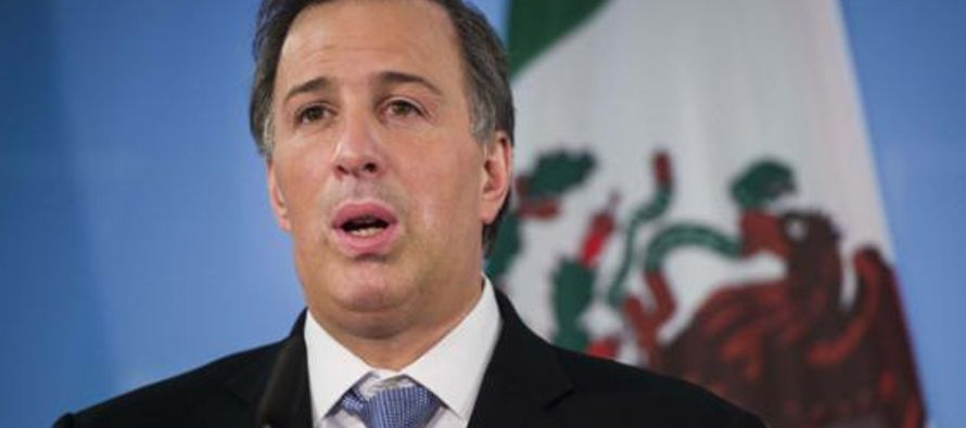 Al anunciar su renuncia como secretario de Hacienda, Peña Nieto destacó hoy su...