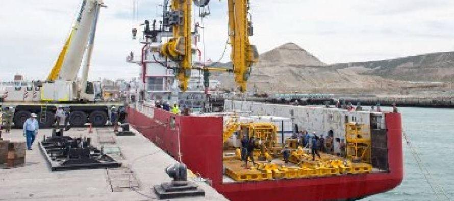El portavoz de la Armada precisó que ocho buques nacionales e internacionales se encuentran...