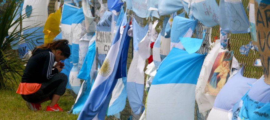 a Armada argentina anunció este jueves que ya no buscará a supervivientes del...