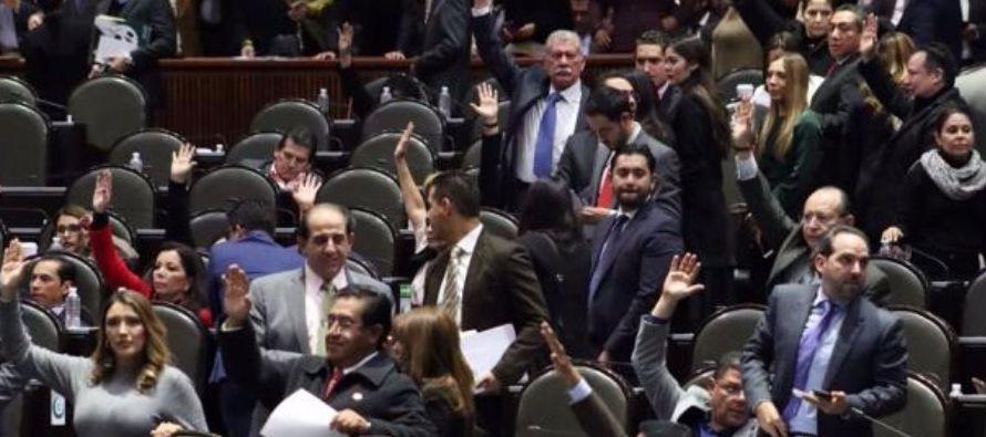 Al fundamentar el dictamen ante el pleno, la diputada Mercedes del Carmen Guillén Vicente,...