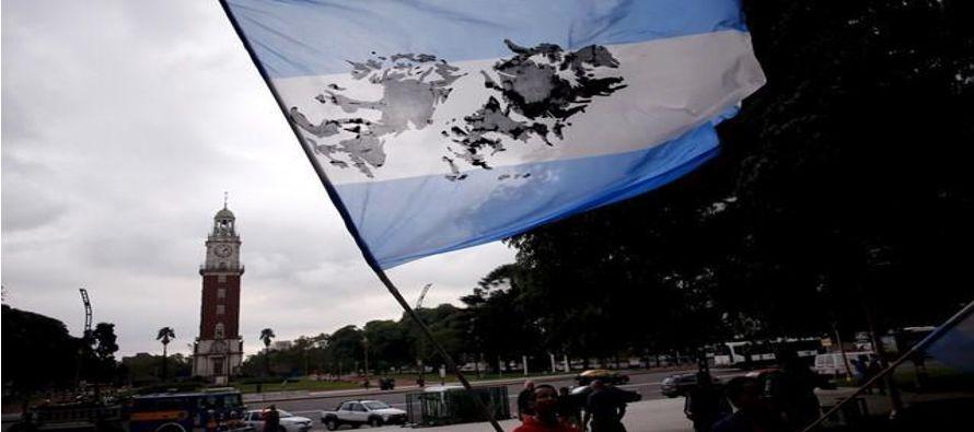 Desde el 2012, el ICRC ha entrevistado a familias de soldados argentinos muertos en Malvinas y...