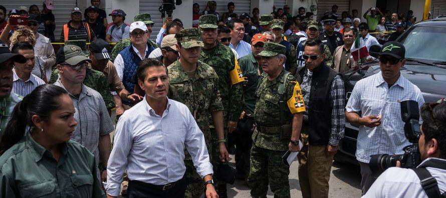 Peña Nieto, afectado por escándalos en el seno de su gobierno con...