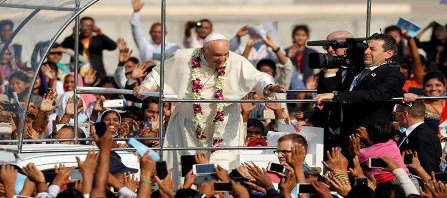 Esa noche he regresado del viaje apostólico a Myanmar y Bangladesh. Agradezco a todos...