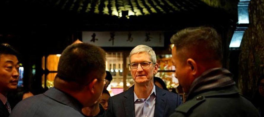 Apple enfrenta críticas de usuarios locales y grupos de derechos por ceder a la...