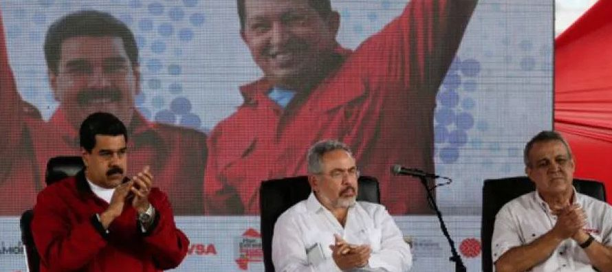 El 30 de noviembre, después de que el jefe de Estado, Nicolás Maduro, anunciara...
