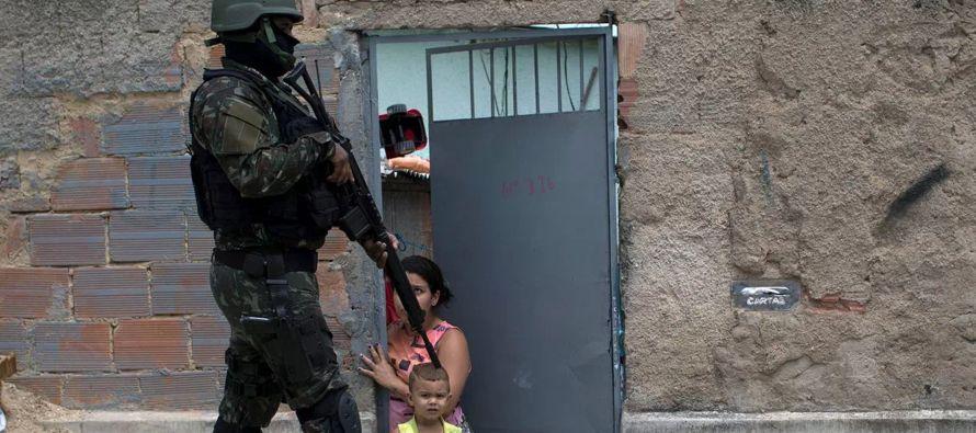 En declaraciones a periodistas durante una gira de trabajo en el suroriental estado de Chiapas,...