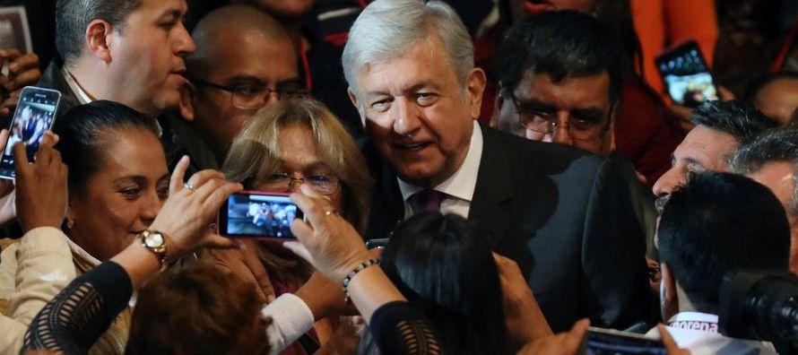 Chávez fue un militar que gobernó con una parte importante del poder castrense,...
