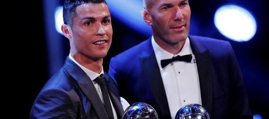El jugador de 32 años sigue siendo favorito para ganar el jueves el Balón de Oro por...