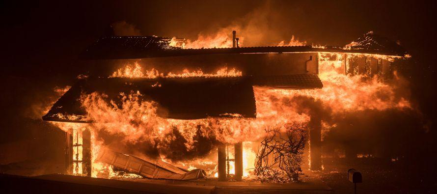 Según informó el Departamento de Bomberos del Condado de Ventura (VCFD), una persona...
