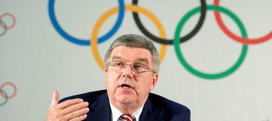 Zhukov, miembro del COI y presidente del Comité Olímpico Ruso, y Chernyshenko,...