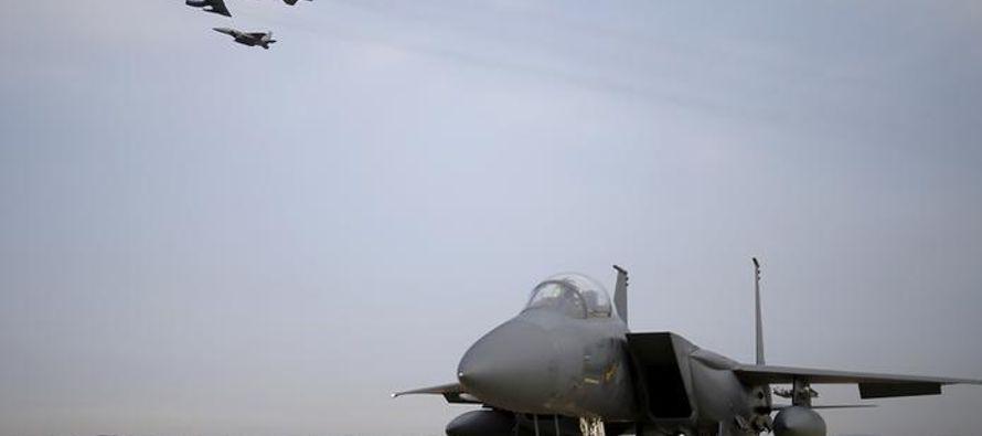 Consultado por el vuelo del avión bombardero, el portavoz del ministerio de Relaciones...
