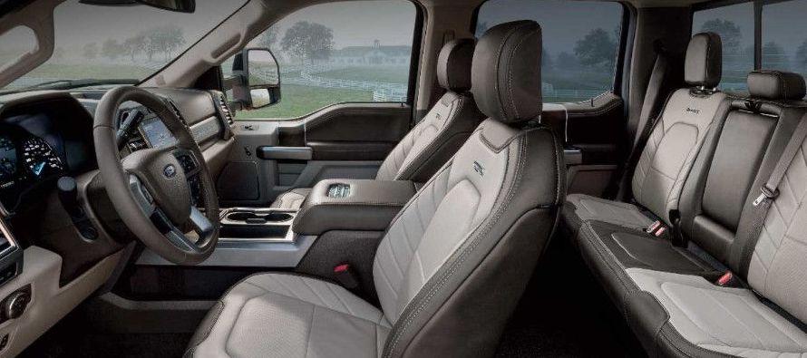 Sin embargo, Ford podría usar también el nuevo concepto minorista de Tmall denominado...