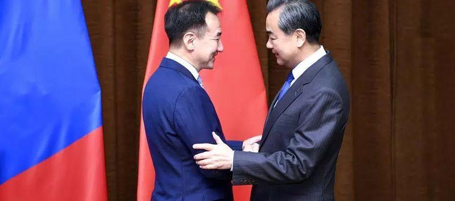 En noviembre, China dijo que elevará los límites de participación extranjera...