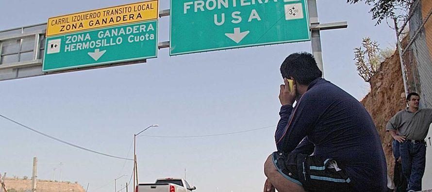 """Según el reporte, titulado """"Los deportados: migrantes desarraigados del país que..."""