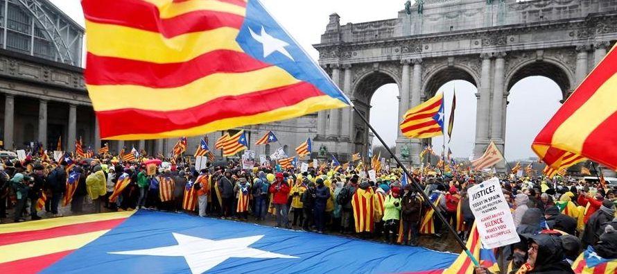 Allí estaban Marta Rovira y Gabriel Rufián (ERC), Artur Mas, Carles Puigdemont y los...