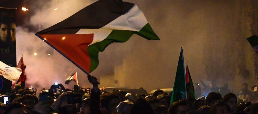 09 dic.- Primer día de enfrentamientos tras la muerte de cuatro palestinos de Gaza,...