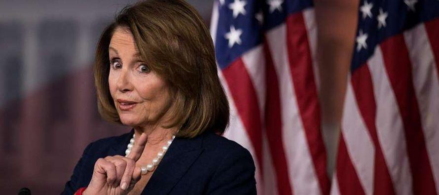 """""""No nos vamos de aquí sin una solución para el DACA"""", dijo Pelosi a los..."""