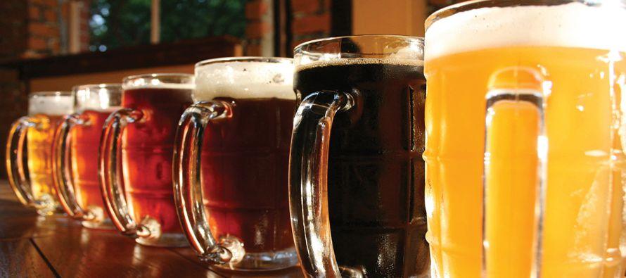 """""""La gente lo pide, empieza a saber que la cerveza no es clara y oscura, sino que hay una..."""