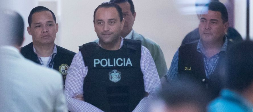 El Supremo panameño decretó hoy legal la detención con fines de...