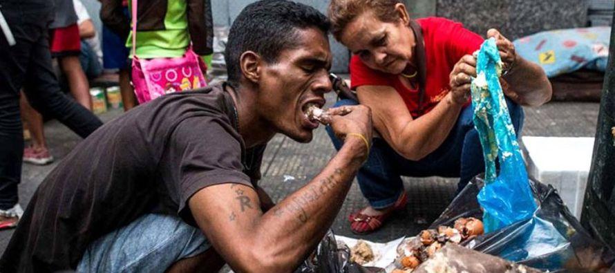 Acostumbrado a vivir en la Venezuela de dos dimensiones, el venezolano se pertrecha estos...