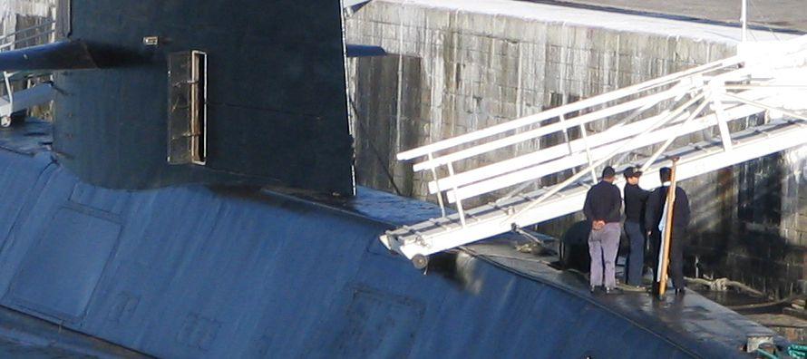 Según un comunicado oficial, el buque estadounidense Atlantis, que lleva el Vehículo...