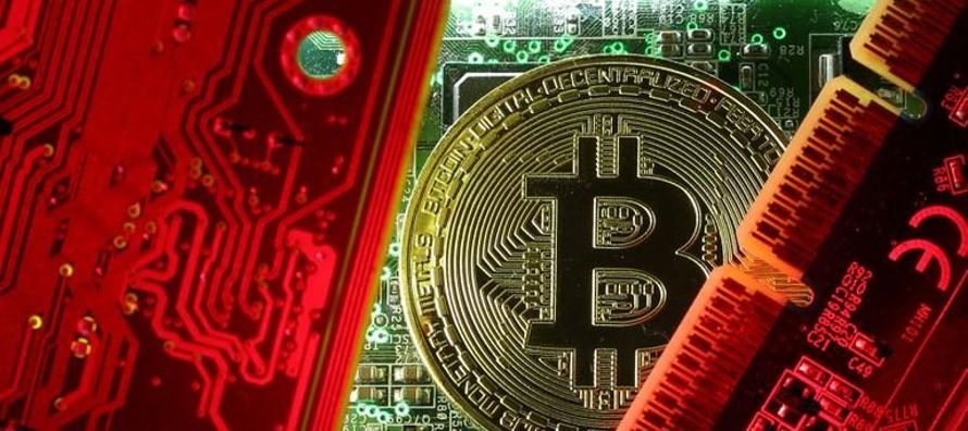 Al mismo tiempo, Bitfinex, el mayor mercado de bitcoins del mundo por volumen de operaciones, dijo...