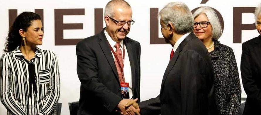 Una victoria de AMLO, de 64 años, podría revertir una tendencia latinoamericana hacia...