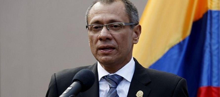 Glas resultó electo en binomio con el presidente Lenín Moreno en la segunda vuelta de...