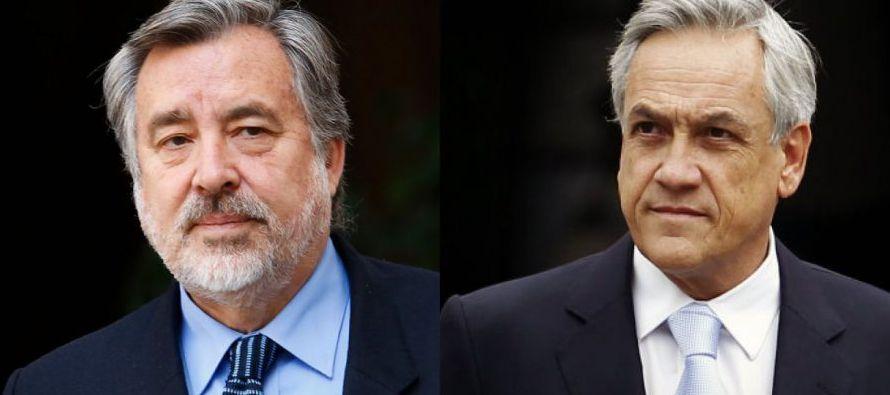 El candidato oficialista, Alejandro Guiller, recibió la visita en Santiago del expresidente...