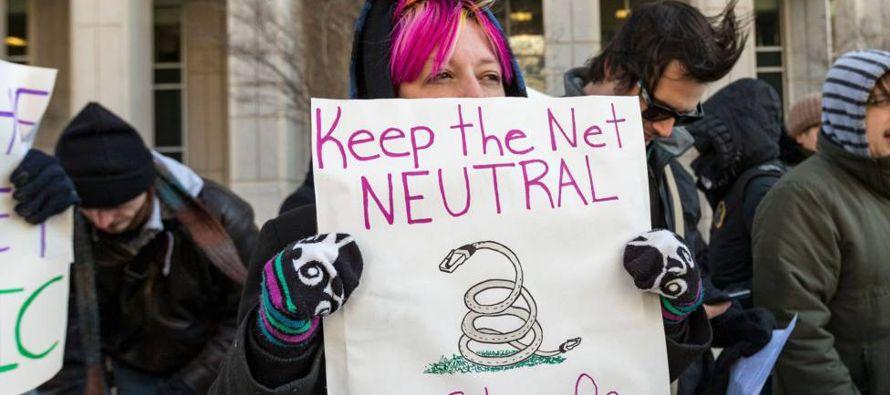 Internet no nació como un espacio comercial, sino como una infraestructura descentralizada...
