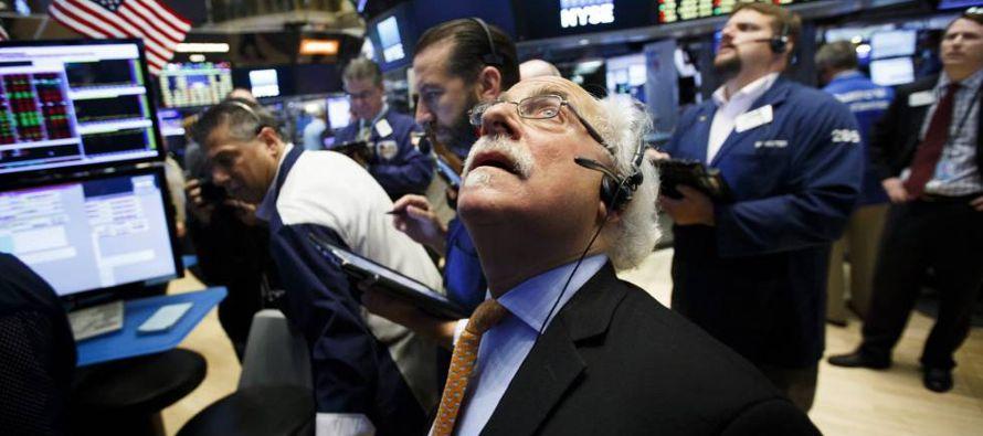 Las acciones estadounidenses han disfrutado un repunte de casi un año. El S&P 500 y el...
