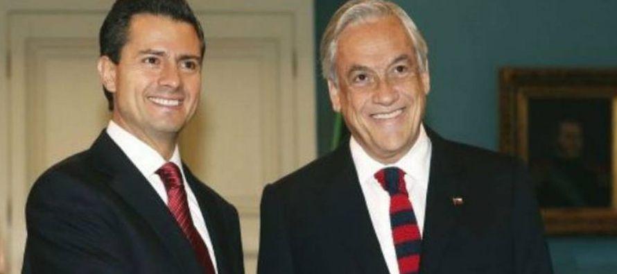 Sebastián Piñera, candidato de la coalición derechista Chile Vamos y quien ya...