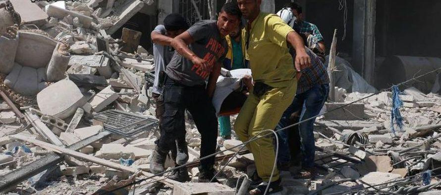 El mediador de la ONU en las negociaciones de paz entre oposición y Gobierno sirio, Staffan...
