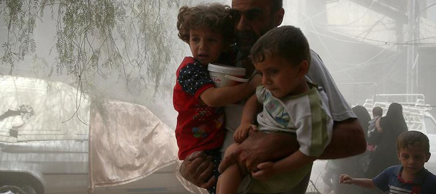 Durante su estancia, el responsable se reunió con miembros de la Media Luna Roja Siria y con...