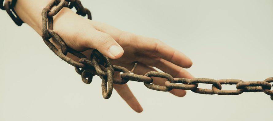 La verdadera tragedia del pecado es que, con frecuencia, aquel contra el que se peca se convierte...