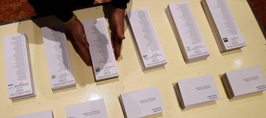 Las elecciones que hoy se celebran en Cataluña deben constituir un hito clave de su...