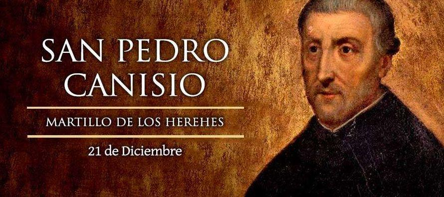 Nació el 8 de mayo de 1521 en la localidad holandesa de Nimega. Su influyente familia...
