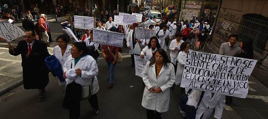 Albarracín, ex defensor del Pueblo boliviano, denunció que la Policía...
