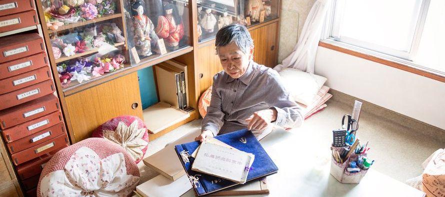 Sin familiares ni visitantes, muchos de los habitantes de mayor edad pasan semanas o hasta meses en...